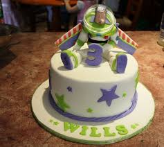 Buzz Lightyear Centerpieces by Buzz Lightyear Bolos Pinterest Buzz Lightyear Mud Cake And