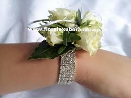 prom wrist corsage ideas prom flowers wristlets side view and bracelet view prom