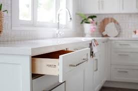kitchen furniture vancouver it or list it vancouver christine chris kitchen cabinets