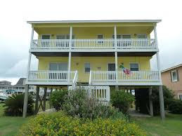 4 bedroom 2 bathroom canal house steps to the beach access property image 1 4 bedroom 2 bathroom canal house steps to the