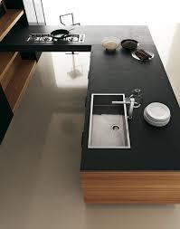 cuisine moderne et noir cuisine noir et bois affordable attractive cuisine blanc laque