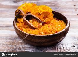 composition du sel de cuisine fleurs et sel de mer orange photographie lark 164584082