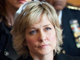 linda reagan hairstyle blue bloods amy carlson actor tv guide