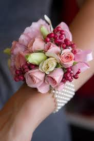 Prom Wrist Corsage The Perfect Wrist Corsage For Prom We This Moncheribridals