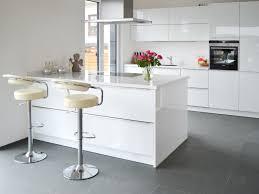 Wohnzimmer Mit Bar Uncategorized Tolles Moderne Fliesen Wohnzimmer Mit Graue