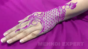 new easy and quick pink color glitter mehndi design for parties