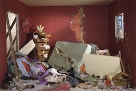 la chambre des morts explications fin une lecture de la chambre détruite de jeff wall master
