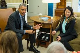 president obama in the oval office cured of ebola nina pham gets a hug from obama u2013 the korea times