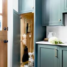wood kitchen cabinets cleaning tips 20 easy cleaning tips and tricks how to clean