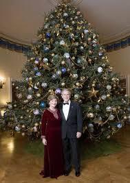 brown christmas tree sale white house christmas trees through the years bush blue