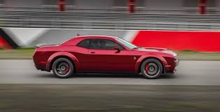 2018 dodge challenger srt hellcat widebody brings extra grip to