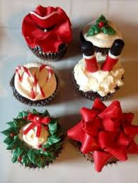 30 easy christmas cupcake ideas wreaths chocolate and 30th