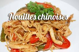 cuisiner des pates chinoises nouilles chinoises sautées au poulet