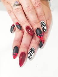 halloween nails diy halloween nails tutorial with matt black u0026 red glitter polish