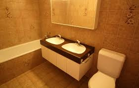 umbau badezimmer badezimmer renovieren bringt neuem glanz