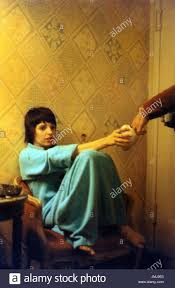 liza minnelli pictured in her dressing room at the winter garden