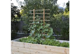 Downspout Trellis 10 Easy Pieces Garden Trellis Panels Gardenista Sourcebook For