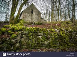old stone barn house and moss in the yorkshire dales stock photo