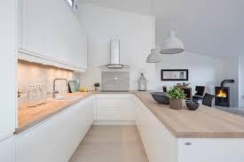 cuisine blanc laqu plan travail bois cuisine blanc laque plan travail bois maison design bahbe com