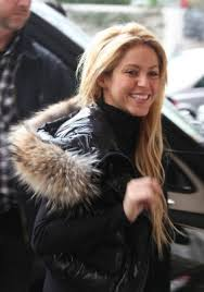 what color is shakira s hair 2015 shakira cuts her hair world news celebrity gossip fotp