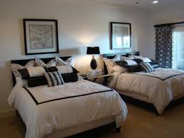 Monochrome Guest Bedroom With Twin Beds  Cozy Guest Bedroom - Guest bedroom ideas