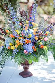 gorgeous and fresh floral centerpieces for your wedding
