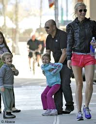 chris martin and gwyneth paltrow kids moses et apple les enfants de gwyneth paltrow et chris martin