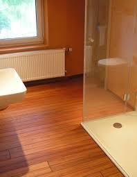 holz in badezimmer interessant holz in badezimmer bezug auf badezimmer ruaway
