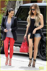 kim u0026 khloe kardashian joined by kourtney u0026 kris the villa in la