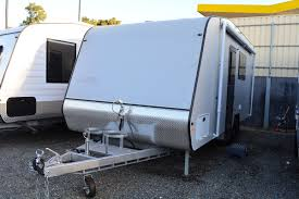 Caravan Rollout Awnings 18ft Full Ensuite Ultra High Gloss Interior King Jack Booster