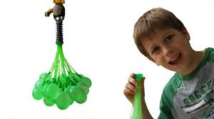 bunch of balloons bunch o balloons 100 water balloons in less than 1 minute by