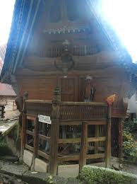 Stone Chair Batak Style Houses Picture Of King Siallagan U0027s Stone Chair