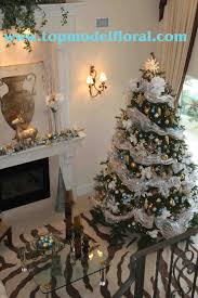 blue silver gold tree i decided since the inside decor