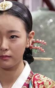 korean hair ornaments with hanbok in korean dong yi drama hanbok