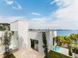 4 bedroom house for sale by the beach in sa riera