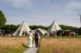 Outdoor Wedding Venues 9 Gorgeous Outdoor Wedding Venues In Wales That Are Better Than