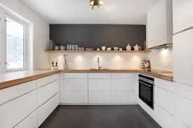 weiße küche mit holz küche wandfarbe anthrazit weiß grau holz wohnen
