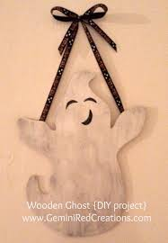 wooden ghosts halloween diy project geminired creations