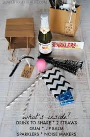 New Years Eve 2016 Decoration Ideas by Kiss Me Kits For New Year U0027s Eve Fill A Bag Or Basket With