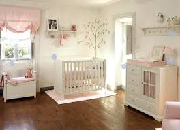 couleur pour chambre bébé peinture bebe chambre aide dans choix couleur parquet peinture
