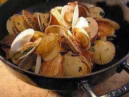 comment cuisiner les petoncles pétoncles blancs à la mélisse cuisine de la mer