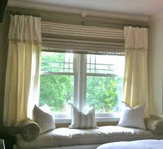 How Wide To Hang Curtains How To Hang A Rod Of Curtains For Bay Windows Design Ideas U0026 Decors