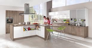 cuisine contemporaine en bois cuisine contemporaine en plaqué bois laquée 699 nobilia