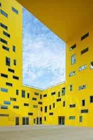 metro bureau etienne cite des affaires yellow city color architecture