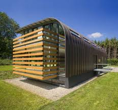 metal roofs on contemporary houses