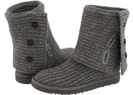 s prague ugg boots 49 crashed into oncoming vehicle after ugg boot got