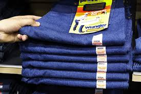 Wrangler Real Comfortable Jeans What Wrangler And Lee Have Learned From Long Hours Of Watching You