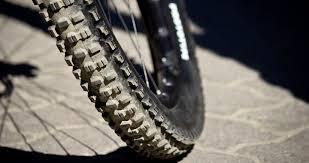 pneu vtt tubeless ou chambre à air glisse alpine passer aux pneus vtt tubeless avantages et