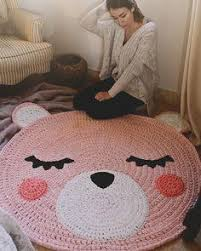 crochet rugs give a charm to any environment brings a charm and a
