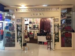 designer second shops designer handbags